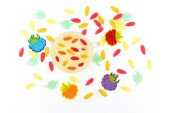 Чашка молока с ягодами и marmelodom Стоковое Фото