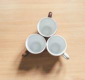 Чашка на таблице Стоковые Изображения RF