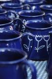 Чашка покрашенная синью Стоковое фото RF