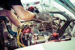 Чашка подъема холма гоночной машины подготавливая для гонки Стоковое Изображение RF