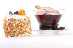 Чашка с glintwine и тортом Стоковые Фото