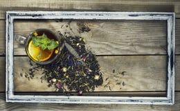 Чашка чаю с лимоном в старой рамке Стоковые Фото