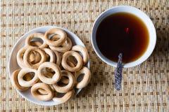Чашка чаю с шутихами Стоковые Фотографии RF
