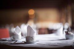 Чашка чая кофе на таблице приема замужества свадьбы Стоковые Фото