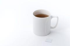 Чашка чая с пакетиком чая стоковое изображение rf