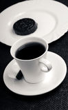 Чашка черного чая и печенья Стоковая Фотография RF