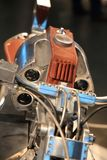 Чашка Handbuilt русским 2018 Изготовленный на заказ РЕВОЛЬВЕР мотоцикла Взгляд конца-вверх танка нефти стоковые фото
