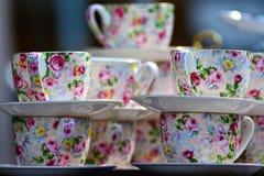 Чашки и баки стоковое изображение