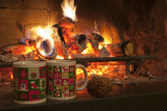 Чашки и огонь Cristmas Стоковое фото RF