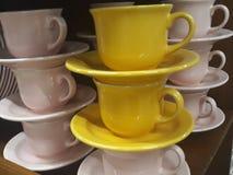 Чашки и поддонники стоковое фото rf