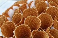 Чашки корнета конуса мороженого вафли закрывают вверх Стоковая Фотография RF