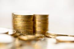 чеканит золото евро доллара Стоковое Фото