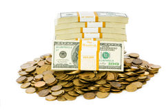 чеканит изолированные доллары Стоковая Фотография