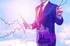 чеканит рост принципиальной схемы финансовохозяйственный над белизной завода Стоковые Изображения