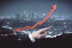 чеканит рост принципиальной схемы финансовохозяйственный над белизной завода Стоковое Фото