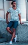 Человек Афро американский в городе Стоковая Фотография RF