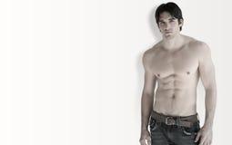 человек без рубашки стоковое изображение rf