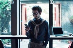 Человек в кафе стоковое фото rf