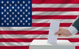 Человек голосуя на избраниях в америке Стоковые Фотографии RF