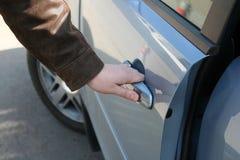 человек двери автомобиля открытый Стоковые Фото