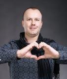 Человек делая знак сердца Стоковое Изображение RF