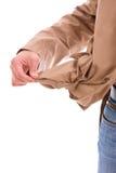 Человек держа его пустое карманн стоковые изображения rf