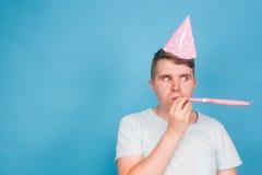 Человек дурачка шальной выражение счастливое Концепция дня дурачков в апреле Стоковое Изображение