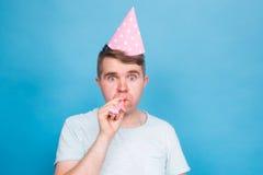 Человек дурачка шальной выражение счастливое Концепция дня дурачков в апреле Стоковая Фотография