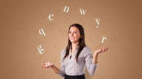 Человек жонглирует с письмами стоковое фото rf