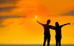 Человек и женщина в влюбленности Фото силуэта Стоковые Изображения RF