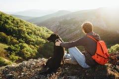 Человек и собака Концепция кампании стоковая фотография rf