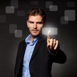 человек кнопки дела отжимая сенсорный экран Стоковое Изображение