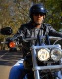 Человек мотовелосипеда имеет свободу Стоковое Изображение