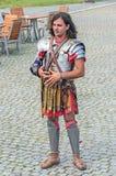 Человек одел в римском костюме войск в крепости Alba Каролине цитадели Стоковое Фото