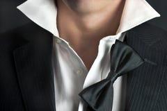 человек ослабляет tux Стоковая Фотография