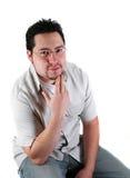 человек представляя детенышей Стоковые Фото