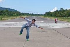 человек самолета с принимать Стоковая Фотография