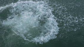 Человек скачет в озеро видеоматериал