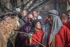 Человек с верблюдом участвует в фестивале стоковая фотография