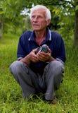 Человек с вихруном стоковое изображение rf