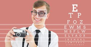 человек с деталью коробки фокуса глаза над стеклами и линиями и глаз испытывают интерфейс Стоковое фото RF