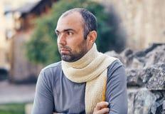 Человек с куря трубой Стоковая Фотография