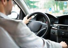 Человек управляя его автомобилем Стоковое фото RF