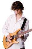 человек электрической гитары играя детенышей рубашки белых Стоковые Фото