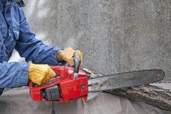 человек chainsaw Стоковое фото RF
