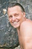 человек forties счастливый смеясь над Стоковые Изображения RF