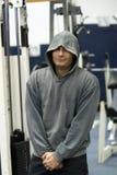 человек hoodie гимнастики Стоковая Фотография