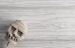 Человеческий череп от деревянных головоломок Стоковое Изображение
