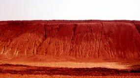 Человеческое сделанное Pathar - красная почва Стоковая Фотография