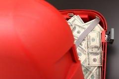 Чемодан с долларами Стоковая Фотография RF